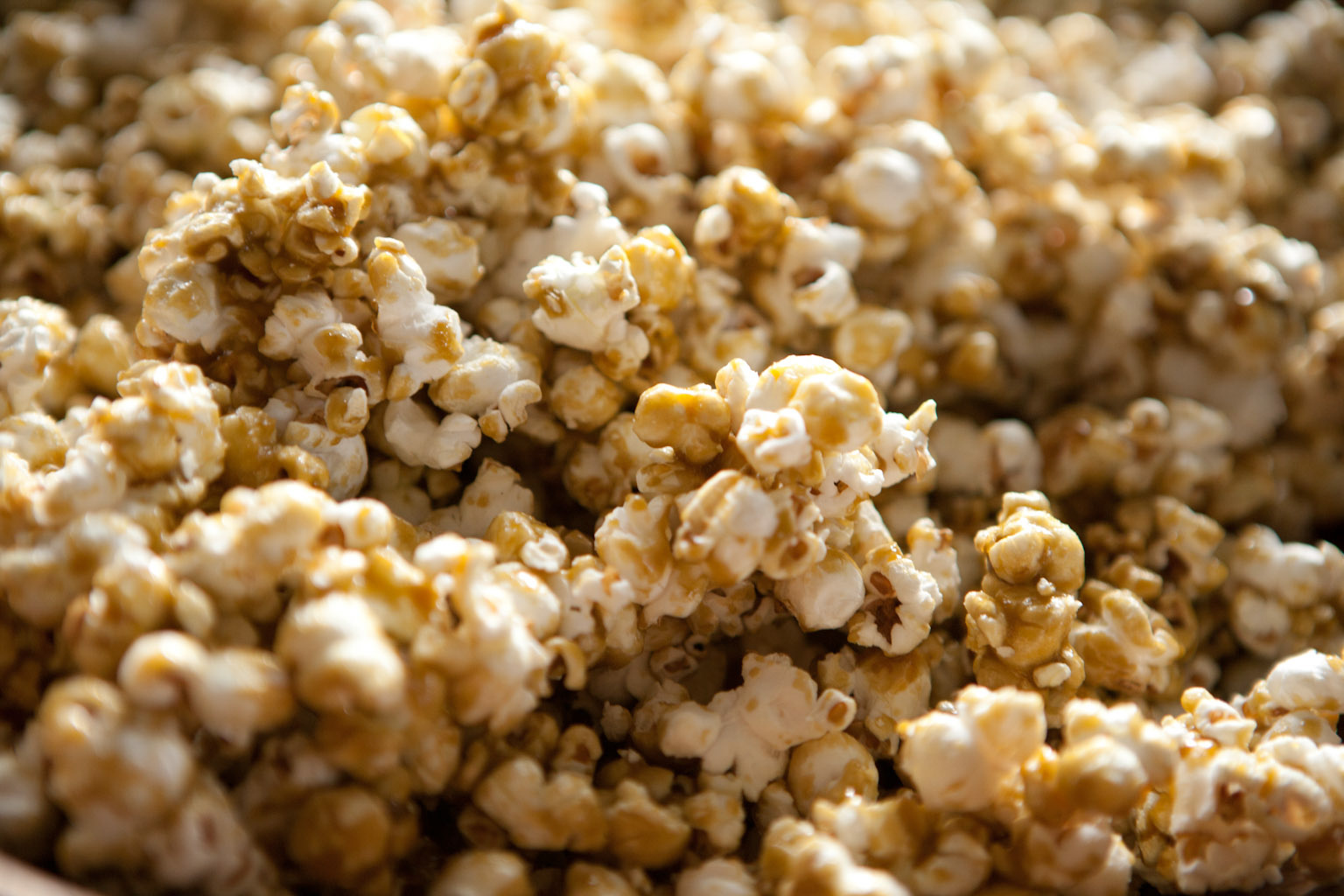Cannabis Caramel Corn Close